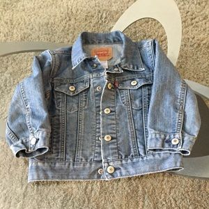 Cute 3t Levi denim jacket!